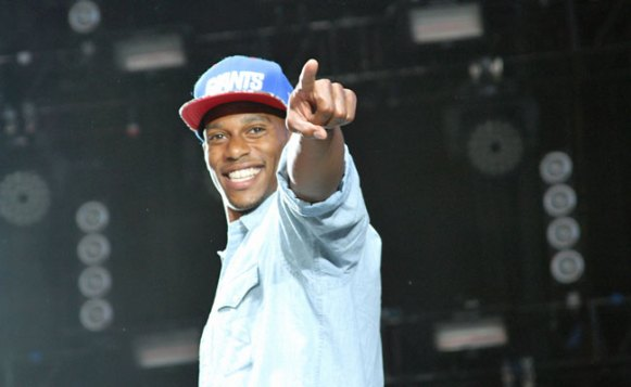 Victor Cruz at Summer Jam 2012
